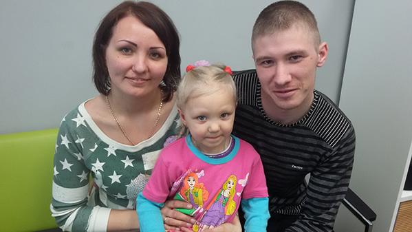 Валерия с родителями в Центре хорошего слуха на Авакяна