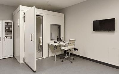 Звукоизолированная кабина для проверки слуха