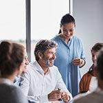 Как помочь Вашему слуху во время беседы